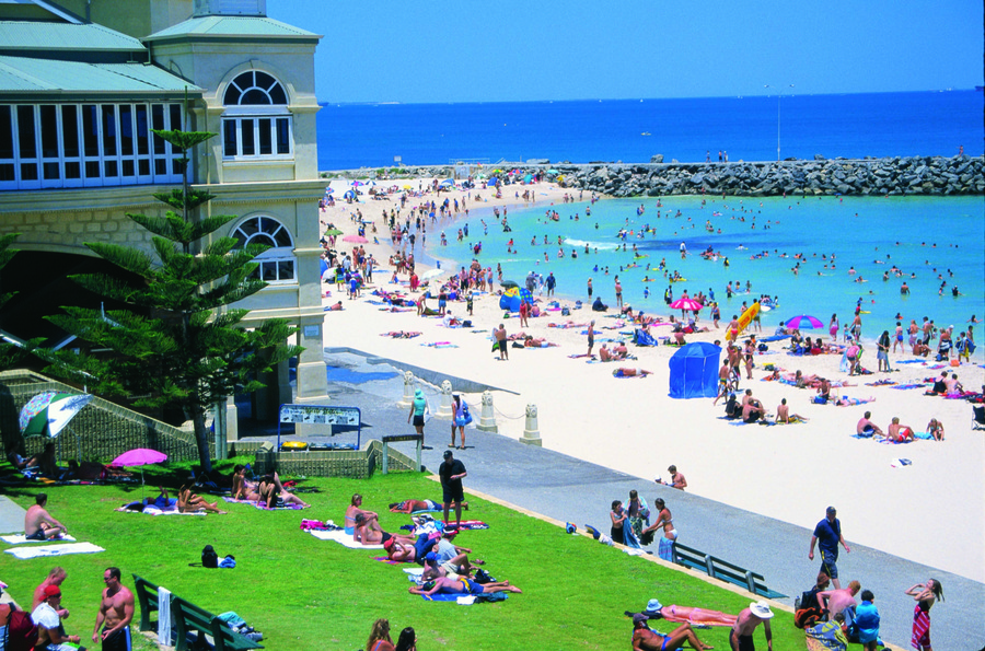 Cottesloe beach for kids activities and reviews