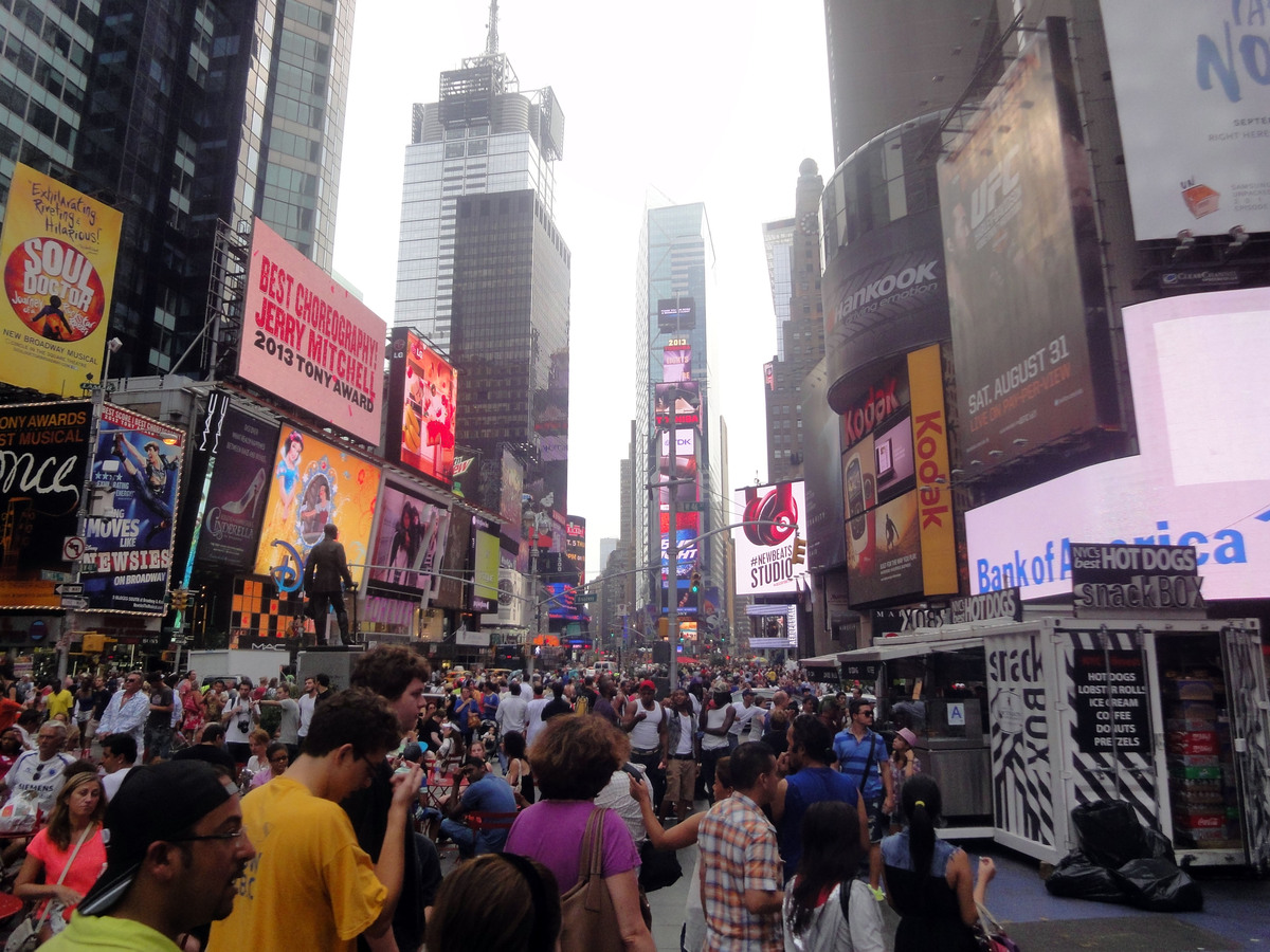 Things to do with kids and families in times square for Things to do times square