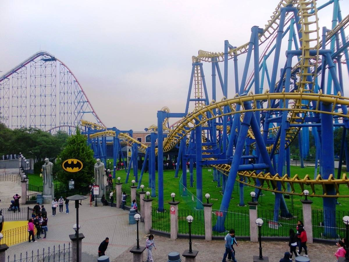 Roller coasters at Six Flags in Mexico City